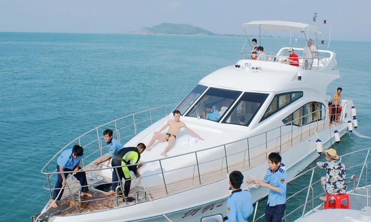 别具魅力的三亚游艇钓鱼风靡海南